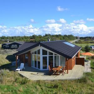 Hotel Pictures: Holiday home Redningsvejen G- 3675, Grønhøj