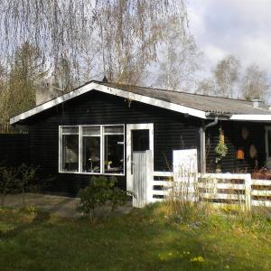 Hotel Pictures: Holiday home Rylevej E- 3865, Kare