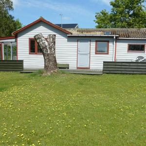 Hotel Pictures: Holiday home Sandagervej E- 3889, Hevring