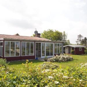 Hotel Pictures: Holiday home Søvej B- 4406, Bro