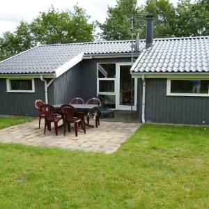 Hotel Pictures: Holiday home Skovbrynet D- 4088, Lindet