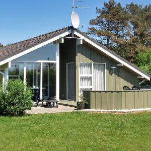 Hotel Pictures: Holiday home Snerlevej E- 4233, Sønder Nissum