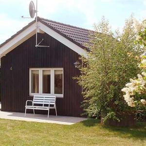 Hotel Pictures: Holiday home Tværvej E- 4937, Egeskov
