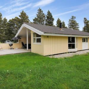 Hotel Pictures: Holiday home Tyttebærstien A- 4941, Torup Strand