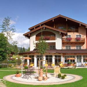 Foto Hotel: Vital- & Familienhotel Angerwirt, Kleinarl
