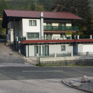 Hotel Pictures: Gästehaus Elisabeth, Bad Kleinkirchheim