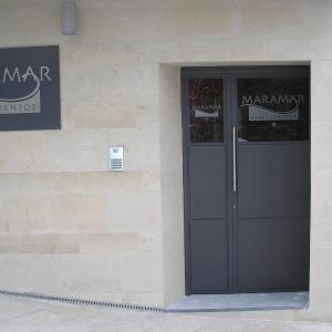 Hotel Pictures: Estudio Maramar, Candás