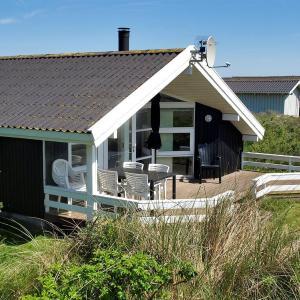 Hotel Pictures: Holiday home Sandmarken F- 3898, Lønstrup
