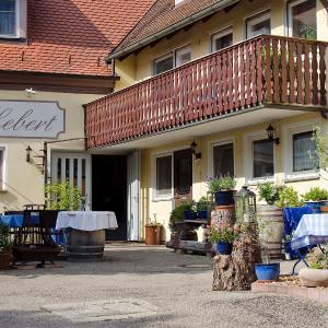 Hotelbilleder: Landhaus Lebert Restaurant, Windelsbach
