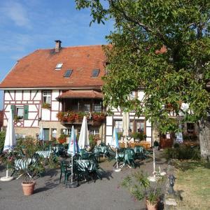 Hotelbilleder: Wengerterstube & Gästezimmer Kern, Oberderdingen