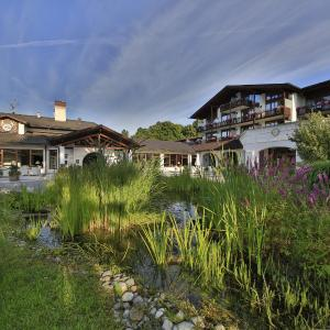 Hotel Pictures: Alpenhof Murnau, Murnau am Staffelsee