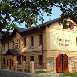 Hotel Pictures: Hotel - U sv. Jana, Šilheřovice
