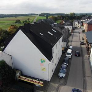 Hotel Pictures: Advance Hotel zum Hahn, Büchenbeuren