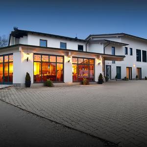Hotel Pictures: Hotel-Renner, Buchbach