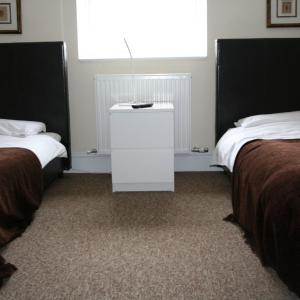 Hotel Pictures: Colne Valley Bed & Breakfast, Staines
