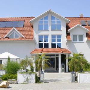 ホテル写真: Hotel Garni Sonnenhof, ルッツマンスブルク