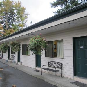 Hotel Pictures: Heritage River Inn, Campbell River