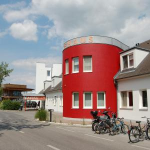 ホテル写真: Familiengästehaus Seebad Rust, ルスト