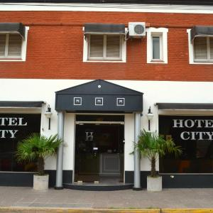 Hotellikuvia: Hotel City, Luján