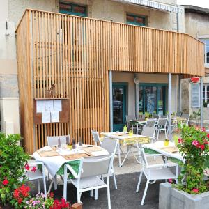 Hotel Pictures: Hotel Restaurant du Centre, Poncin
