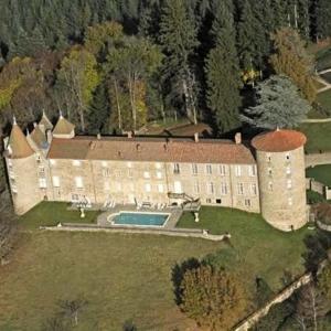 Hotel Pictures: Château De Vollore, Vollore-Ville