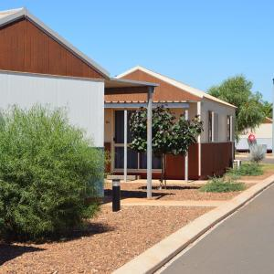 Hotel Pictures: Karratha Village, Karratha