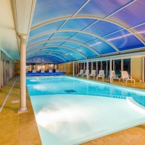 Hotel Pictures: Lagrange Vacances Le Hameau De Peemor Pen, Crozon