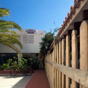 Hotel Pictures: Hostal Capri, Es Pujols