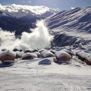 Hotel Pictures: Snowshop Mario, Belalp