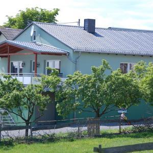 Hotel Pictures: Ferienwohnungen Landgasthaus Janshen, Ellscheid
