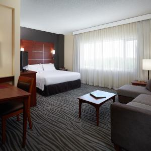 Hotel Pictures: Residence Inn by Marriott Montreal Airport, Dorval