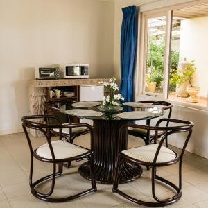 Foto Hotel: Flatstone Apartment & Suites, Oranjestad