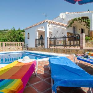 Hotel Pictures: Holiday home Cortijo Los Almendros 2, Frigiliana