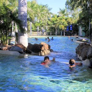 Фотографии отеля: Big4 Aussie Outback Oasis Holiday Park, Charters Towers