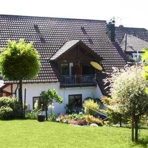 Hotel Pictures: Ferienwohnung Keller, Hagnau