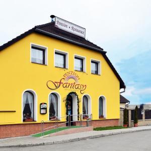 Hotel Pictures: Penzion Fantasy - minigolf, Lipník nad Bečvou