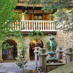 Hotel Pictures: Palacio de Trasvilla, Escobedo