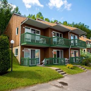 Hotel Pictures: Chalets sur le Fjord, L'Anse-Saint-Jean
