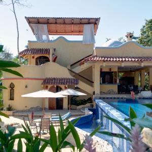 Hotel Pictures: Kalapiti Luxury Jungle Suites, Montezuma
