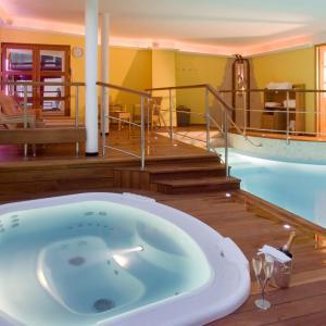 Hotel Pictures: Hotel De La Matelote, Boulogne-sur-Mer