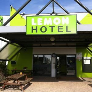 Hotel Pictures: Lemon Hotel Dreux Chartres, Dreux