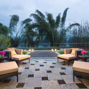 Hotel Pictures: Banyan Tree Yangshuo, Yangshuo