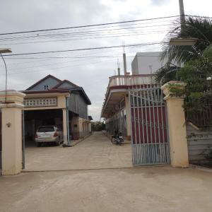 Foto Hotel: Koeu Chey Chum Neas Guesthouse, Prey Veng