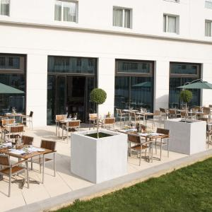 Hotel Pictures: Courtyard by Marriott Paris Saint Denis, Saint-Denis