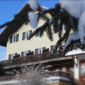 Hotel Pictures: Hôtel des Skieurs, Le Sappey-en-Chartreuse
