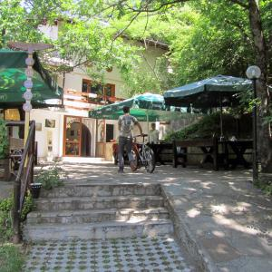Hotel Pictures: Vulture Centre Eastern Rhodopes, Madzharovo