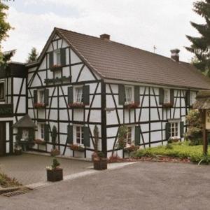 Hotelbilleder: Hotel Meyer Alter Bergischer Gasthof, Kürten