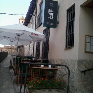 Hotel Pictures: Hostal Royuela, Royuela