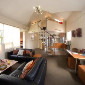 Hotellbilder: TWOFOURTWO Boutique Apartments, Launceston