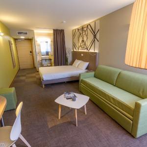 Hotel Pictures: INTER-HOTEL Ecoparc, Saint-Aunès